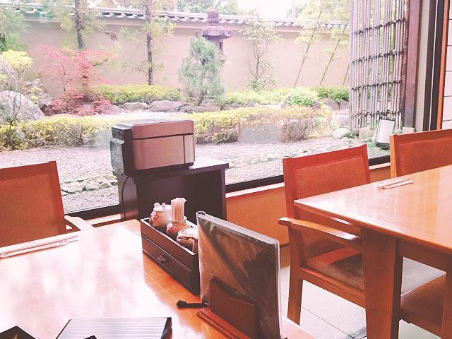 花伝抄 明るい朝食の席