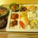 湯快リゾート 湯村温泉 三好屋の夕食、朝食はバイキング