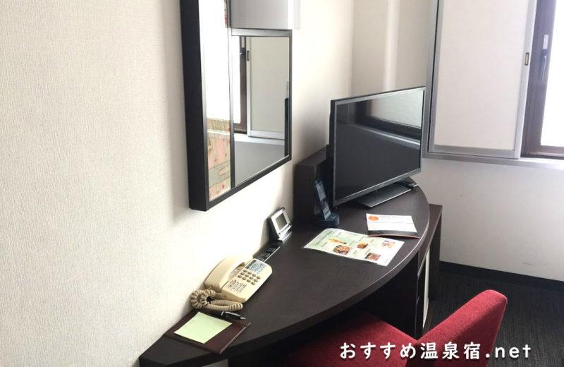 朝の支度(メイクなど)は鏡のあるこの場所で♪ドライヤーも置いてありました